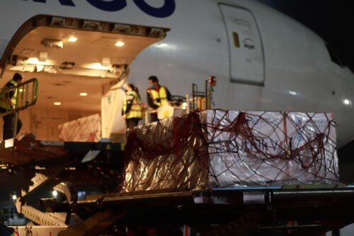 Llegan a México Nuevos Embarques de Sputnik V y Pfizer-BioNTech con Vacunas Envasadas contra Covid-19