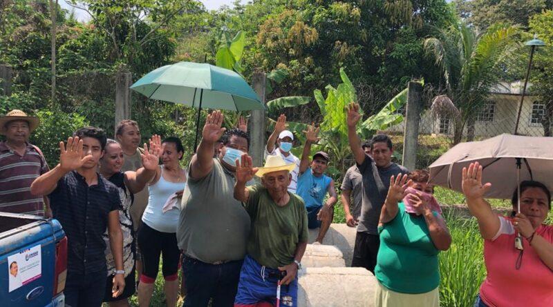 Efrén Vázquez Evia Trabajando Temprano Para Ayudar a Quien lo Necesita