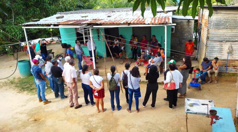 Efren Vázquez Evia, es Recibido con Alegría en la Colonia las Piedras